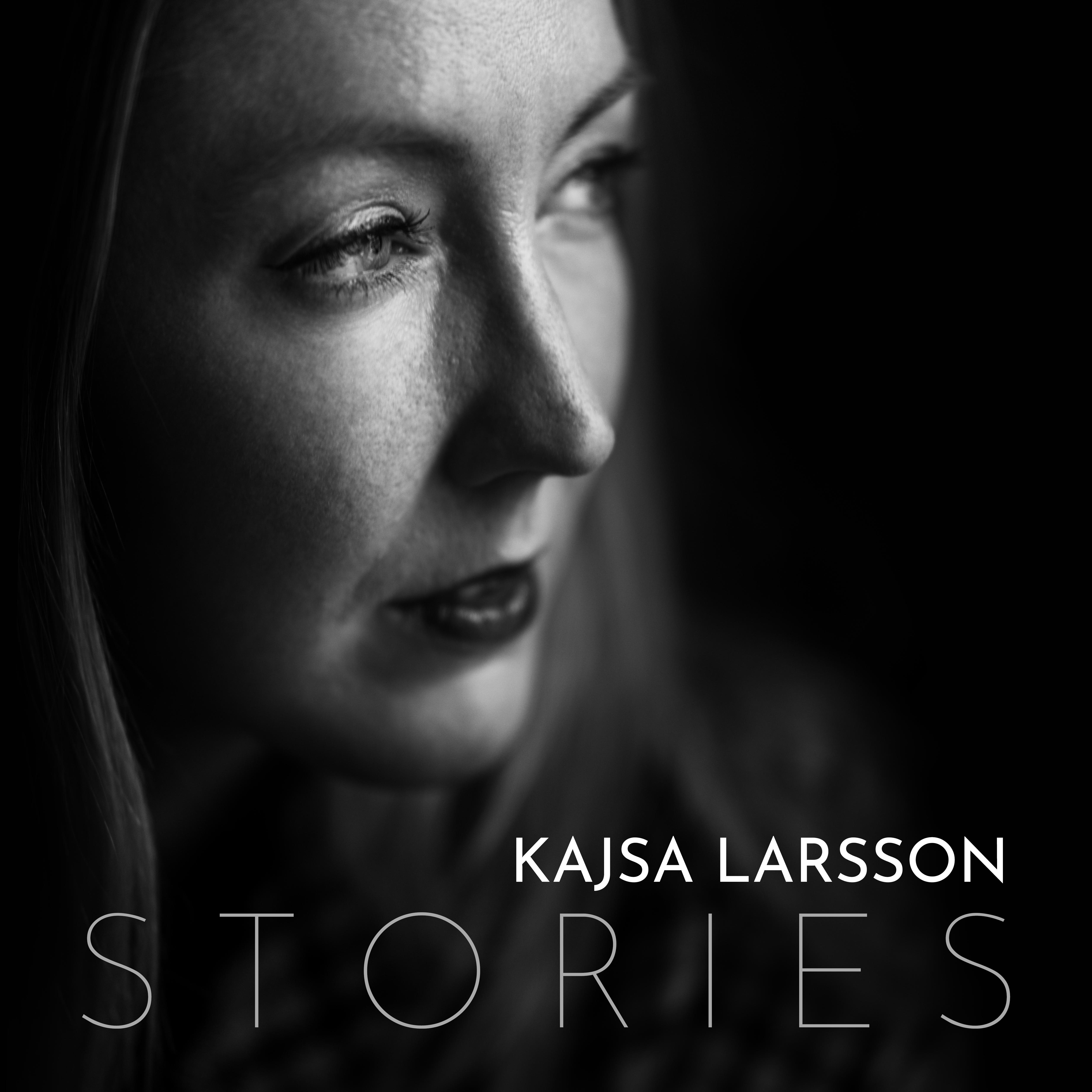 Coverart för EPn Stories med Kajsa ansikte i profil och texten Kajsa Larsson Stories